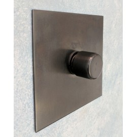 1 Gang 200W Halogen / 0-120W Trailing Edge Rotary LED Dimmer in Antique Bronze Plate and Knob