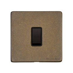 1 Gang 2 Way 10A Rocker Switch Screwless Vintage Rustic Brass Plate with Black Plastic Rocker and Trim