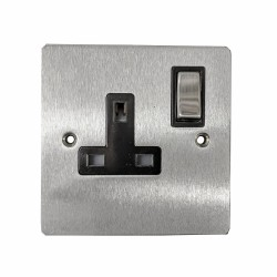 1 Gang 13A Switched Single Socket in Satin Chrome Plate and Switch with Black Plastic Trim, Elite Flat Plate