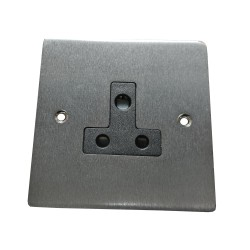 1 Gang 5A 3 Pin Unswitched Socket in Satin Chrome Flat Plate with Black Trim, Elite Flat Plate
