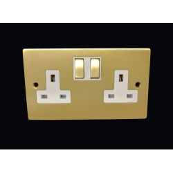 2 Gang 13A Switched Twin Socket in Satin Brass Plate and Switch with White Plastic Trim, Elite Flat Plate