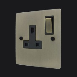 1 Gang 13A Switched Single Socket in Antique Brass Elite Flat Plate and Switch with Black Trim