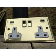 2 Gang 13A Socket with 2 USB Sockets Elite Stepped Flat Polished Brass Plate and Rockers with White Plastic Insert