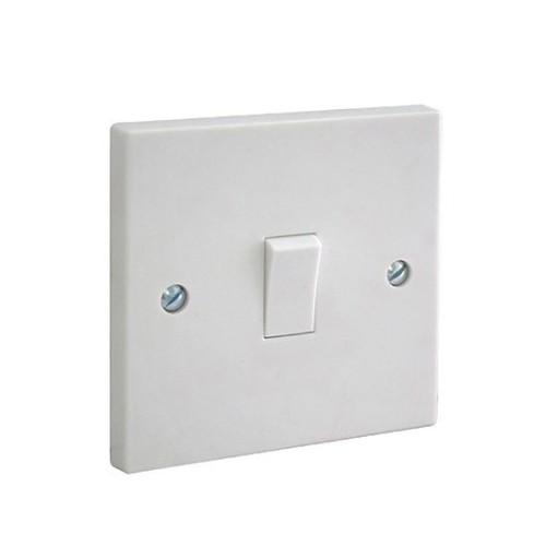 BG 1 Gang 1 Way 10AX Single Switch in White Plastic Square Edge