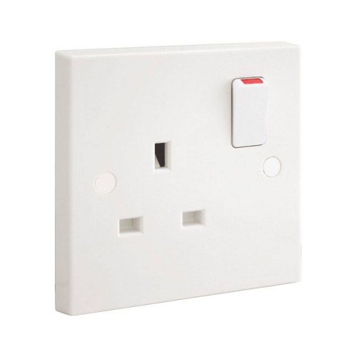 1 Gang Single Pole 13A Switched Socket in White Plastic Square Edge