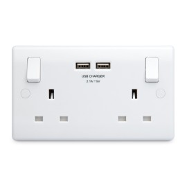 2 Gang 13A Socket with 2 x type A USB Charger (3.1A 5V) Socket Moulded White Round Edge BG Nexus 822U3
