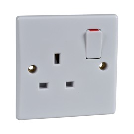 1 Gang 13A Switched Single Socket Moulded White Plastic Slimline Plate Schneider GU3010