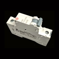 Wylex NHXLB32 MCB 32A Type B Single Pole Miniature Circuit Breaker 6kA 1 Pole 1 Module