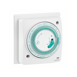 7 Day Mechanical Socket Box Timer 16A resistive/2A inductive Load with Analogue Clock Face and Minute Hand Indicator