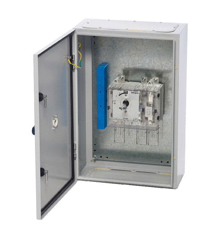 Sf a enclosed pole neutral link bs switch